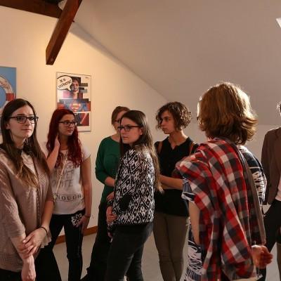 A szombathelyi diákok plakátkiállítása Pannonhalmán vendégeskedik