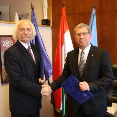 Együttműködési szerződés köttetett Szombathely MJV Önkormányzata és az MTA Bölcsészettudományi Kutatóközpontja között