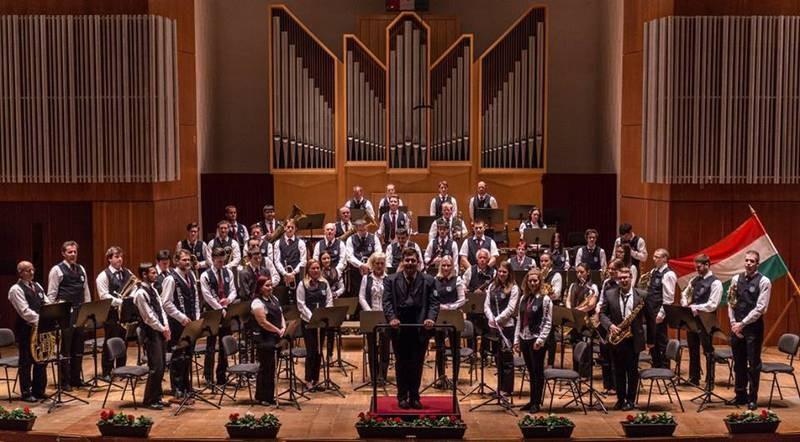 Zenés Várakozás: Szombathely Város Koncert Fúvószenekara